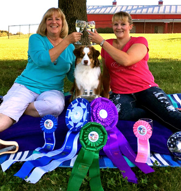 Epic earns 2016 Nationals Winner's Dog Best of Winners